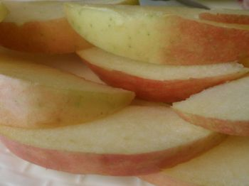 And for dessert 4 ounces of sliced Fuji apple - my favorite apple!