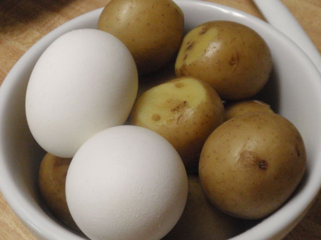 Once the potatoes were cooked, I put them in a bowl and stuck them in the fridge until this morning.